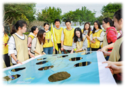 眾基拓展推出上海拓展訓練活動:世界球,通過玩世界球這個拓展活動,讓參加活動每個隊員更能深刻認識世界地圖,了解五大洲。